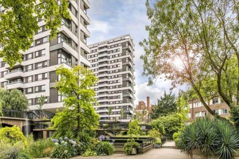 3 bedroom apartment for sale - The Water Gardens