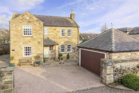 4 bedroom detached house for sale - Chantry Court, Ripley