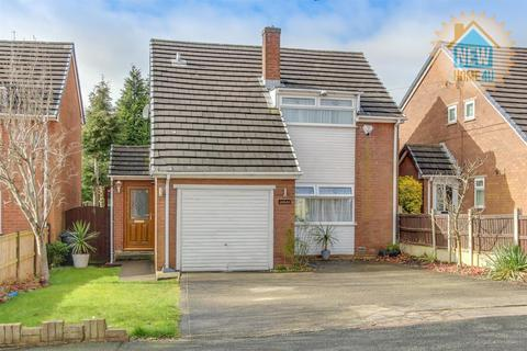 3 bedroom detached house for sale - Briar Drive, Buckley