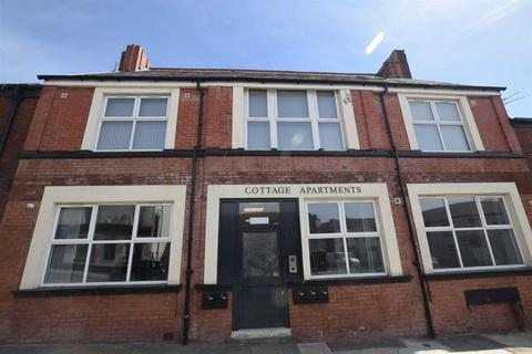 1 bedroom flat to rent - 161 Mossley Road, Ashton-Under-Lyne