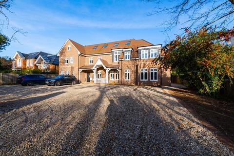 5 bedroom terraced house for sale - Leatherhead Road, Oxshott, Leatherhead, Surrey, KT22