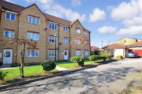 2 bedroom ground floor flat for sale - Madeleine Close, Chadwell Heath, Essex