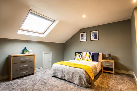 6 bedroom house share to rent - Oldham Road, OL7 9AW