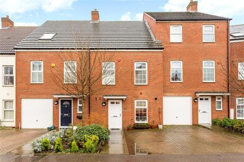 4 bedroom terraced house for sale - Ver Brook Avenue, Markyate, St. Albans, Hertfordshire, AL3