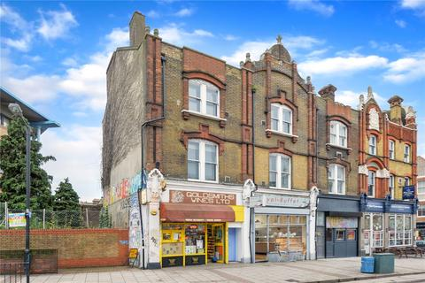 3 bedroom flat share to rent - Lewisham Way, London, SE14