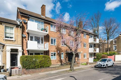 3 bedroom flat to rent - Arbuthnot Road, London, SE14