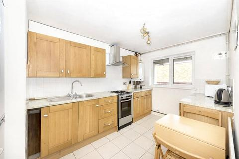 2 bedroom maisonette to rent - Lamberhurst House, 13 Lovelinch Close, London, SE15