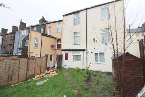 1 bedroom flat for sale - Luton Road, Chatham, ME4