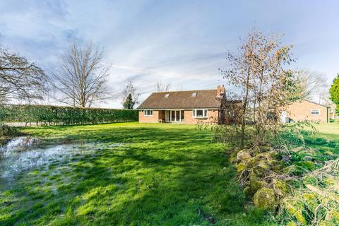 4 bedroom detached bungalow for sale - Cawood Road, Wistow, Selby YO8