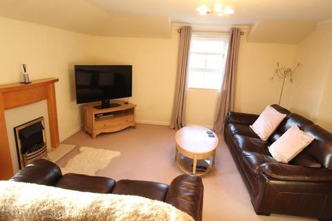 2 bedroom flat to rent - Anderson Drive, Top Floor, AB15