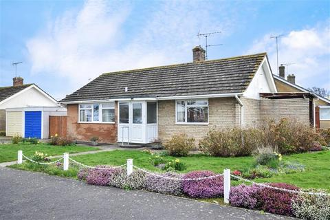 2 bedroom detached bungalow for sale - Ormesby Crescent, Felpham, Bognor Regis, West Sussex