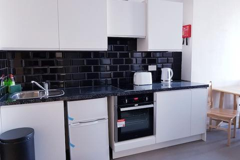 Studio to rent - White Horse Woolwich Road, Flat 2, London, SE7