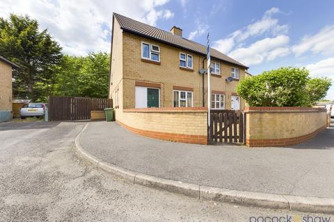 3 bedroom semi-detached house for sale - Dolphin Close, Cherry Hinton