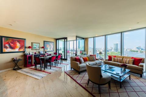 3 bedroom apartment for sale - The Tower, 1 St Georges Wharf, London, SW8