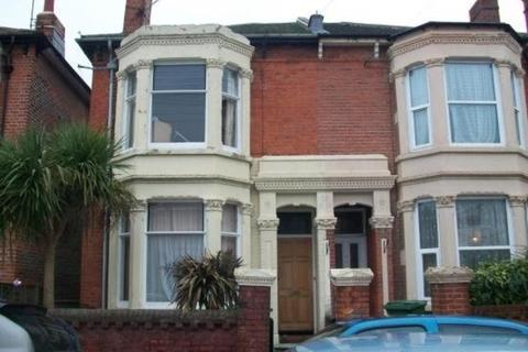 6 bedroom terraced house to rent - Albert Grove, Southsea