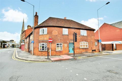 Studio to rent - Crown Street, Reading, Berkshire, RG1