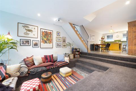 2 bedroom mews for sale - Maryon Mews, London, NW3