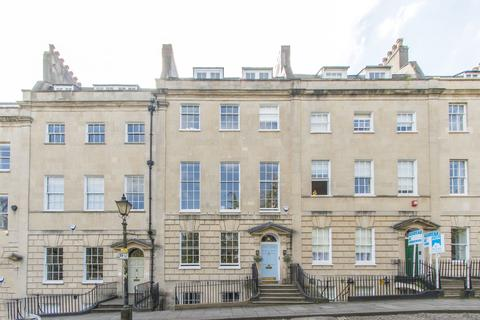 2 bedroom apartment to rent - Berkeley Square - Serviced Apartment