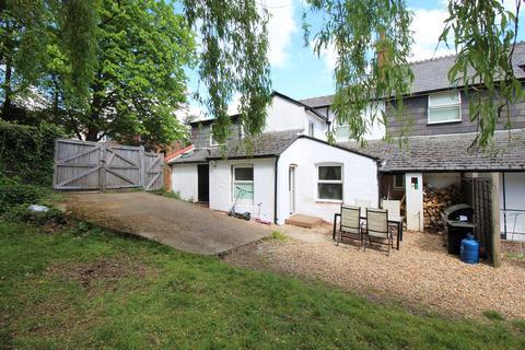 Studio to rent - Upper Hale Road, Farnham