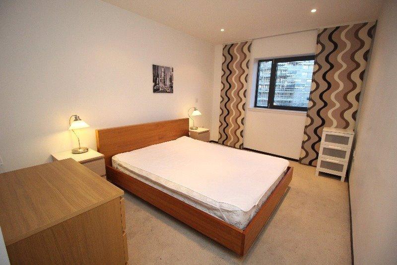 P6801 04 bedroom201