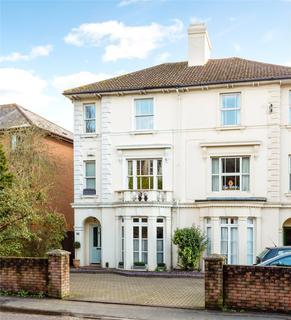 4 bedroom semi-detached house for sale - Hadlow Road, Tonbridge, Kent, TN9