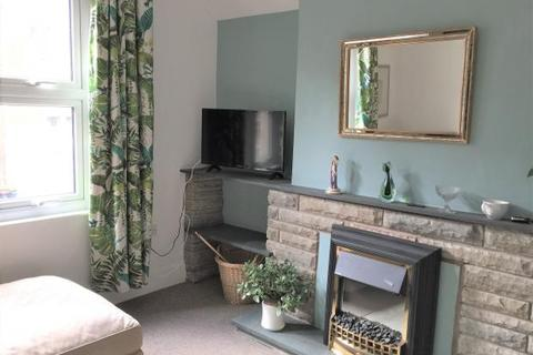 2 bedroom flat to rent - Cantilupe Road 2 Double bedroom