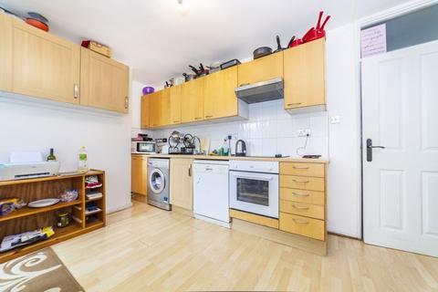 4 bedroom apartment to rent - Harbridge Avenue, Roehampton