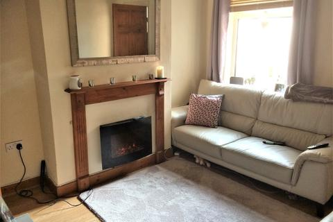 2 bedroom house to rent - Wolverton Road, ,