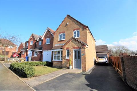 3 bedroom detached house for sale - Curlew Road, Packmoor, Stoke-On-Trent