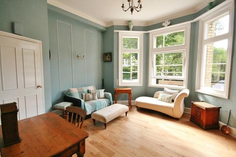 1 bedroom flat for sale - First Avenue, Hove, BN3