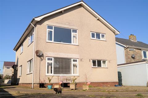 2 bedroom flat for sale - Rhodfa'r Mor, Nefyn, Pwllheli