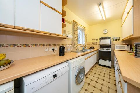 4 bedroom semi-detached house for sale - Meadway, Berkhamsted