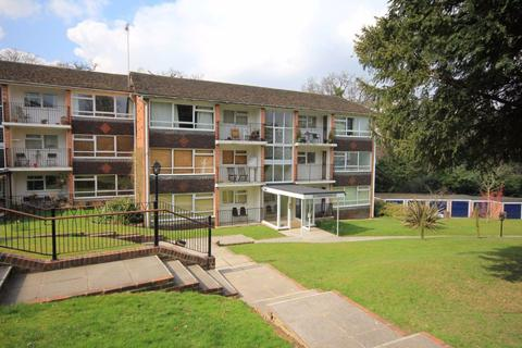 2 bedroom flat to rent - Shelley Court, Paddockhall Road, Haywards Heath