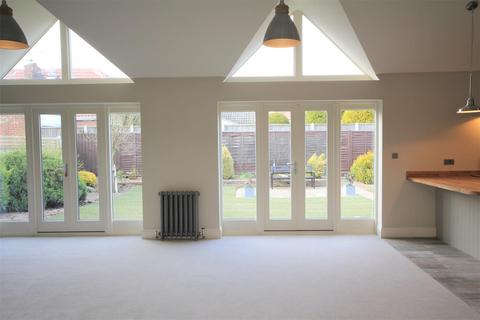3 bedroom detached bungalow for sale - Greencroft Lane, Dunnington, York, YO19