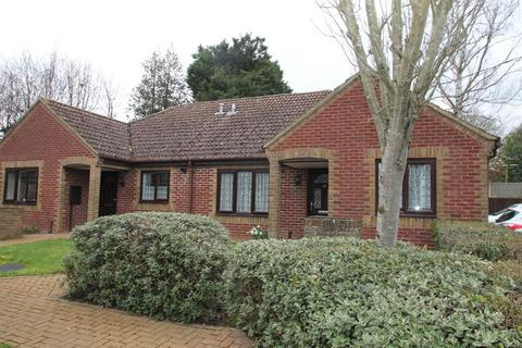 2 bedroom bungalow for sale - Matterdale Gardens, Barming, Maidstone