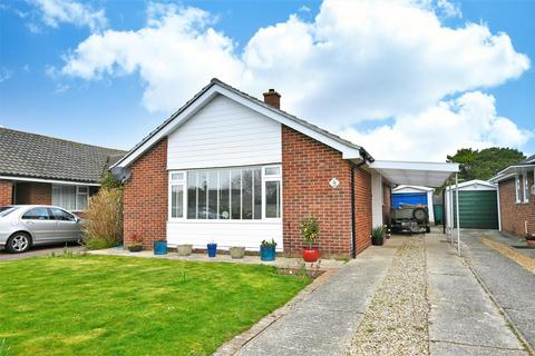 2 bedroom detached bungalow for sale - Church Way, Pagham, Bognor Regis