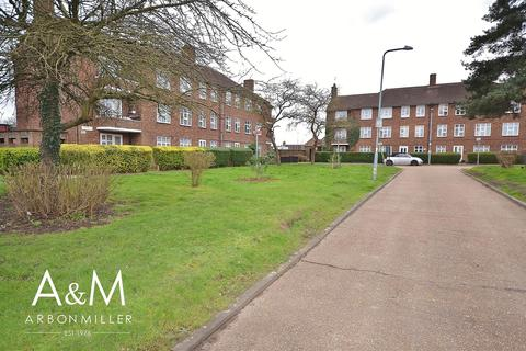 1 bedroom flat for sale - Merlin Close, Hainault