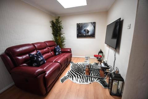 2 bedroom bungalow to rent - Newlands Drive, Maidenhead