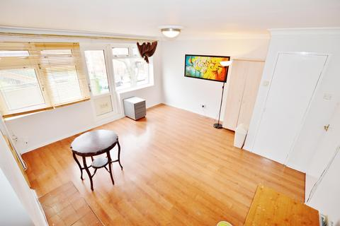 3 bedroom flat to rent - Marcus Court, London, E15