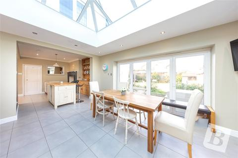 4 bedroom detached house for sale - New Court Road, Chelmsford, Essex, CM2