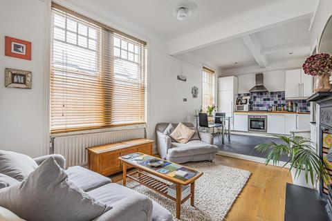 2 bedroom flat for sale - Venn Street, Clapham