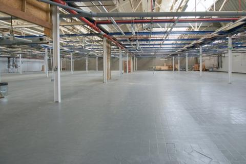 Warehouse to rent - Blackhorse Road, London, E17