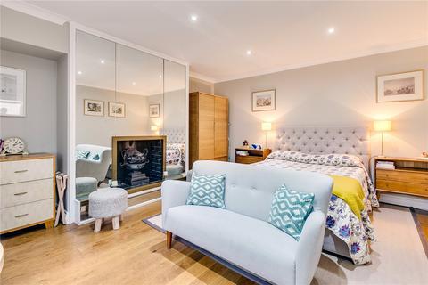 Studio to rent - Thurloe Place, South Kensington, London