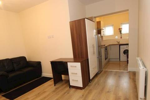 Studio to rent - Montague Road, Flat 2 LE2