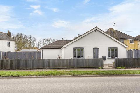 4 bedroom detached bungalow for sale - Datchet, Berkshire, SL3