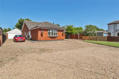 4 bedroom bungalow for sale - Main Road, Thorngumbald, Hull, East Yorkshire, HU12