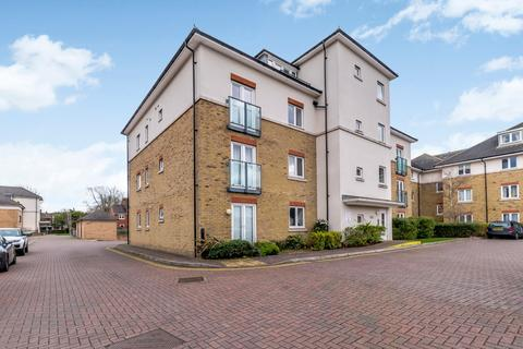 2 bedroom flat for sale - Fairwater Drive, Shepperton, TW17