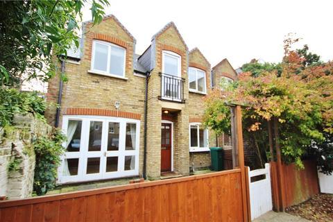 2 bedroom terraced house to rent - Wadham Road, Putney, SW15