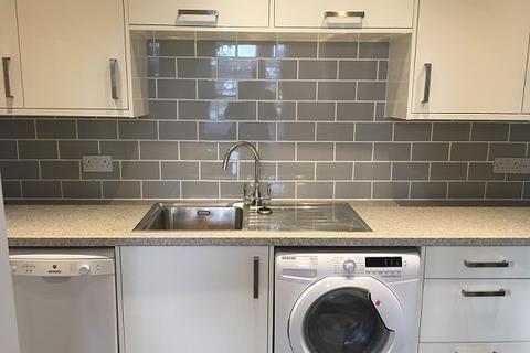 2 bedroom flat to rent - High Street, Yatton BS49