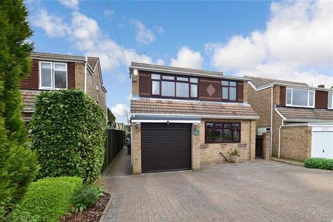 3 bedroom detached house for sale - Larks Field, Hartley, Longfield, Kent